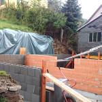 Neugestaltung Stützmauer mit Geräteschuppen